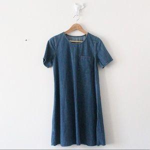 GAP Lightweight Denim Short Sleeve Dress Pocket